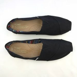 Toms Womens Classic Black Canvas Slip On Size 9